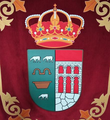 Escudo Navalagamella Tela